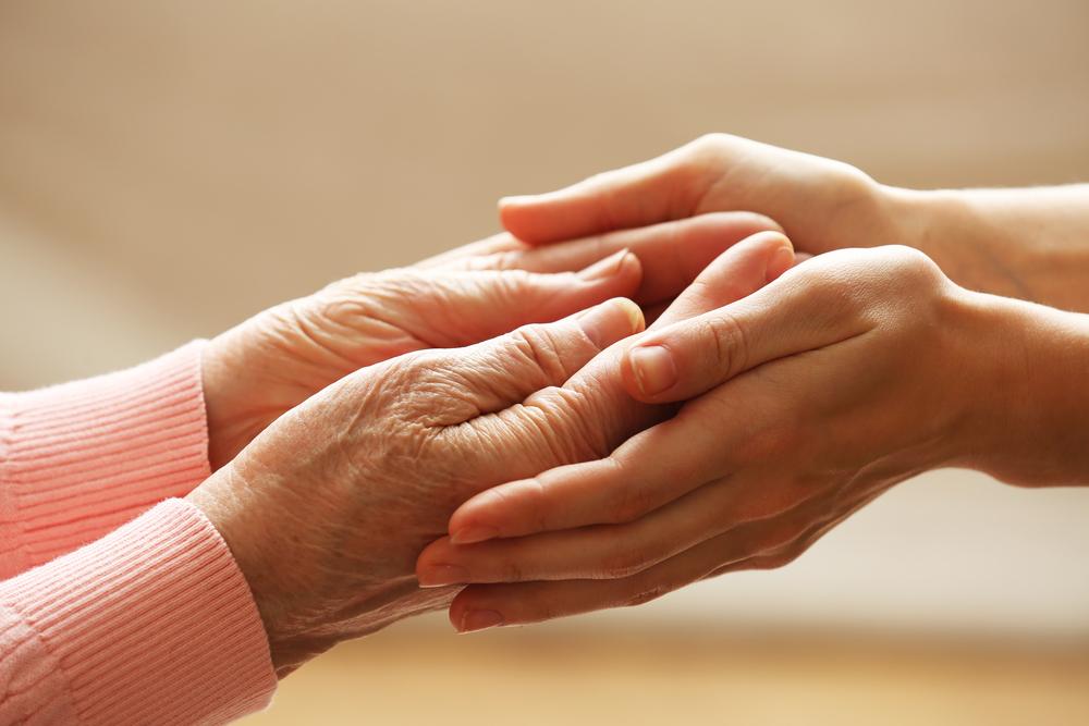 Aide en maison de retraite médicalisée - Assistance Retraite